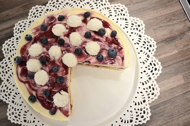Cherry-Swirl-Cake